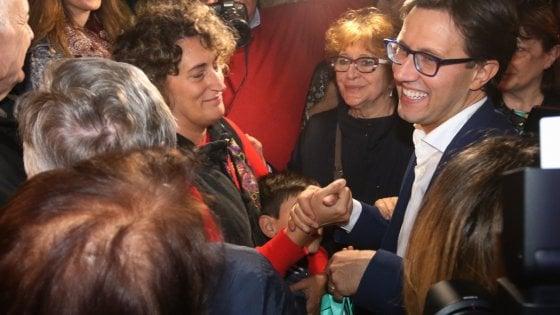 Firenze, Dario Nardella è di nuovo sindaco. Ballottaggio a Prato. I 5 Stelle perdono Livorno