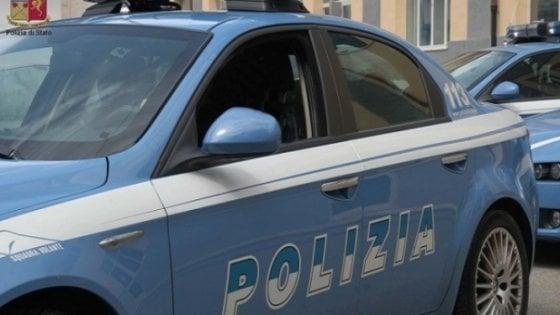 Firenze, sparo durante una rapina al supermercato: bimba nascosta sotto le casse