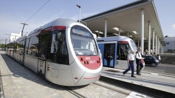 Tramvia a Firenze, nuova linea 3.2 senza pali sui viali