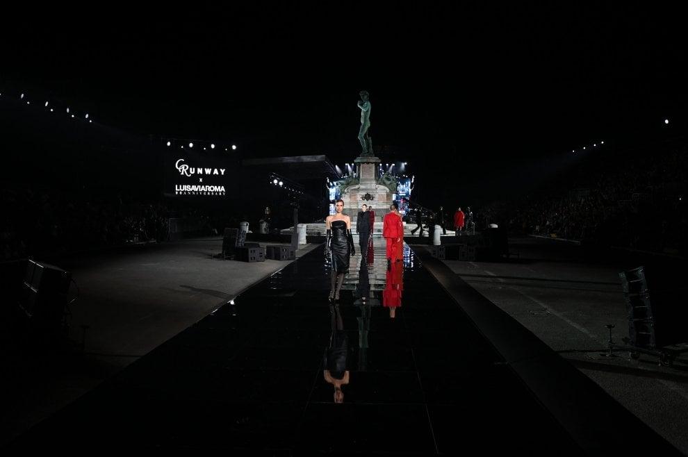Firenze, LuisaViaRoma che festa al piazzale Michelangelo, fra top model e Lenny Kravitz