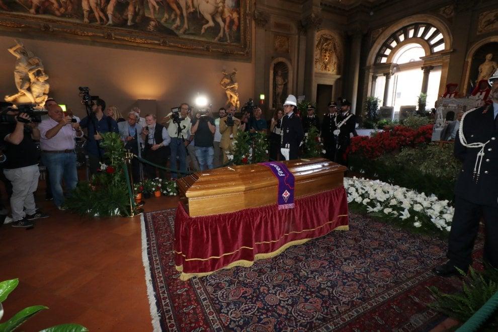 Firenze, in centinaia alla camera ardente per l'omaggio a Zeffirelli