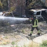 Firenze, incendio all'ex ippodromo delle Cascine