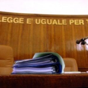 Giro di prostituzione a Firenze, assolto agente penitenziaria