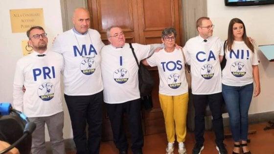 """""""Prima i toscani"""". I consiglieri regionali della Lega protestano ma sbagliano la divisione in sillabe"""