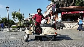 Da Livorno a Persepoli in Vespa:  in sella tra la Grecia e la Turchia tra paesaggi immensi e senza confini