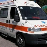 Incidente stradale a Prato. Feriti cinque ragazzi, uno è grave