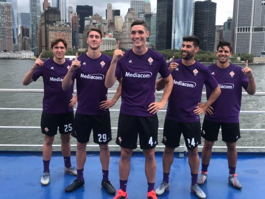Fiorentina, svelata la divisa ufficiale della prossima stagione ...