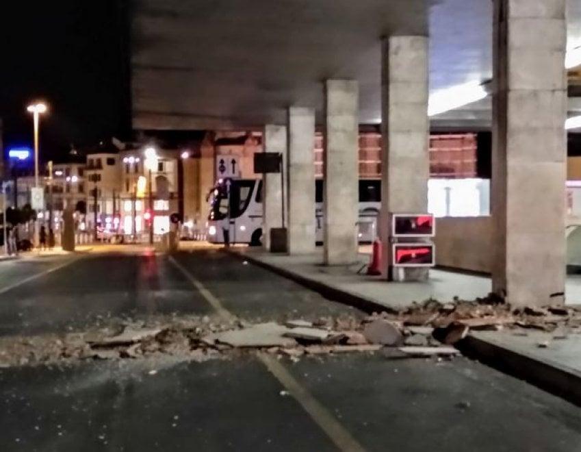 Firenze, crolla controsoffitto di una pensilina alla stazione di Santa Maria Novella