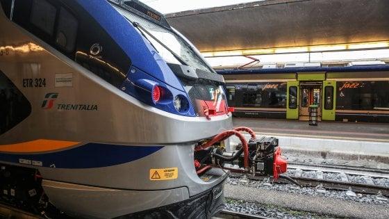 "Treni, l'assessore Ceccarelli scrive a Toninelli: ""L'alta velocità prolifera, troppi disagi per i regionali"""