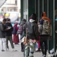 Pisa, spray al peperoncino spruzzato in un fast food: denunciati minorenni