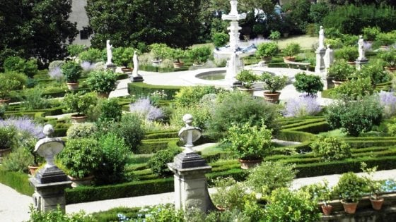 Day, A Week of Free Events: Garden Tours, Poetry & Jazz