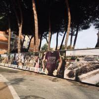 Livorno, in memoria dell'alluvione: i volti, il fango, il cane in braccio