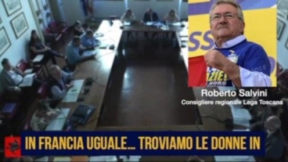 """""""Donne in vetrina per rilanciare il turismo"""", la Lega sospende il consigliere regionale"""