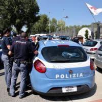 Arezzo, pachistano assalito salvato da una donna
