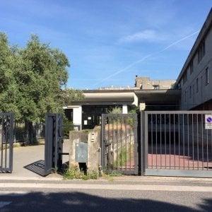 Massa Carrara, allenatore di pallavolo accusato di violenza sessuale su quattro bambine