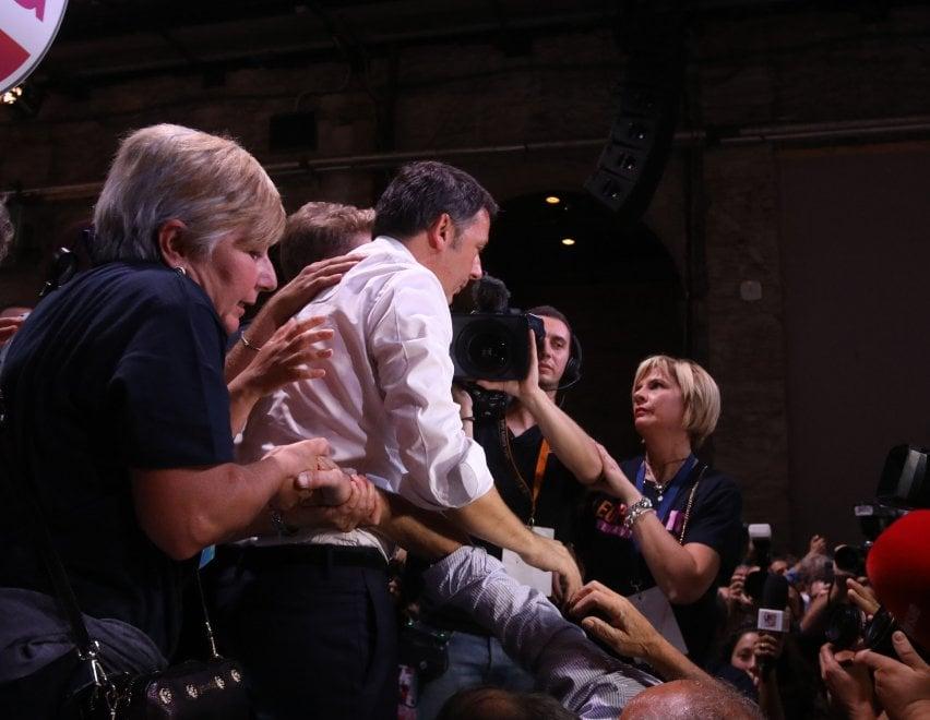 Firenze, Renzi chiude la decima edizione della Leopolda