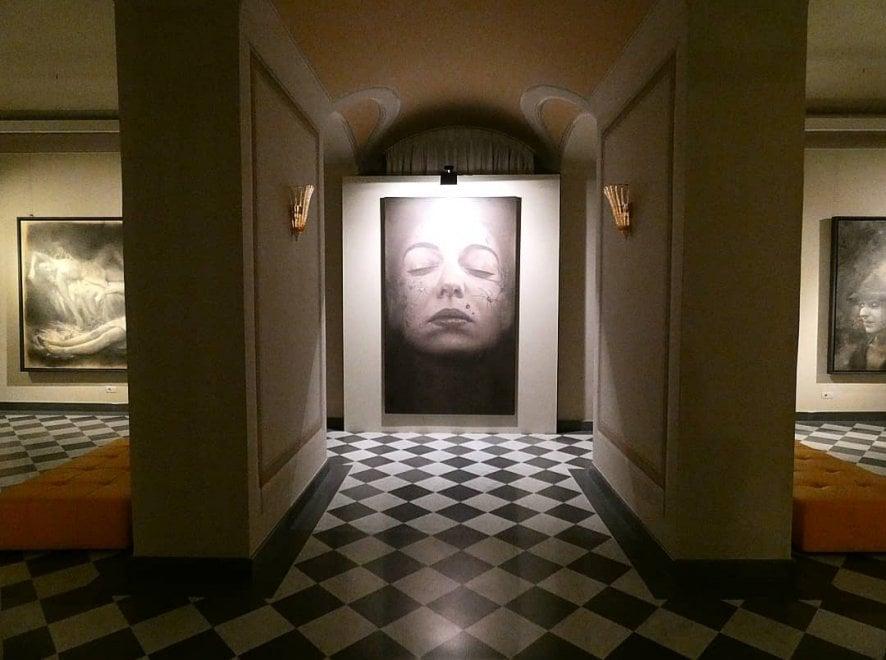 Storie di uomini e ombre, in mostra a Palazzo Cucchiari a Carrara