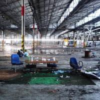 Livorno, giovane donna di Roma trovata morta dopo il rave nella ex fabbrica