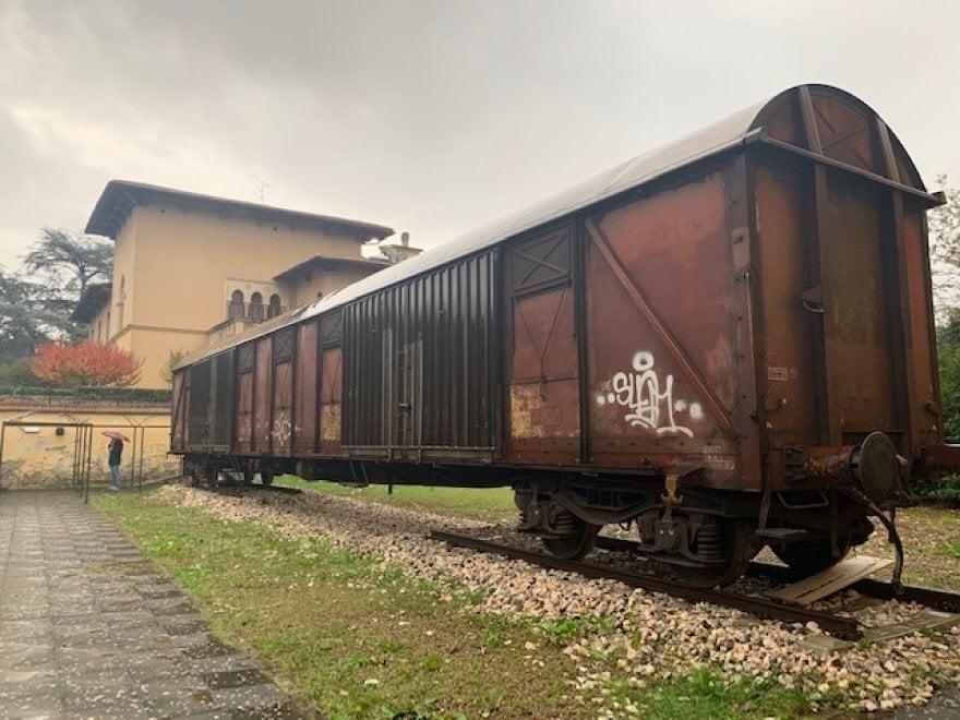 Bistrot e coworking, a Bagno a Ripoli la nuova vita di un vagone ferroviario