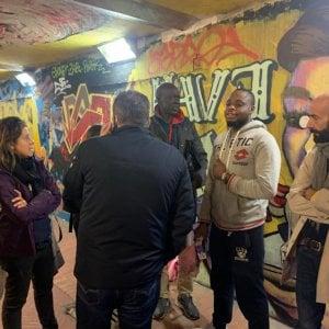 Firenze, ambulante nigeriano picchiato da due persone incappucciate