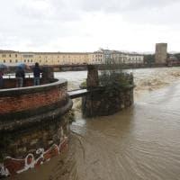 Firenze, l'Arno raggiunge il secondo livello