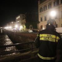 Firenze, fuga di gas e voragine sul Lungarno Diaz, chiusa la strada