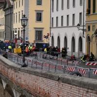 Firenze, scoperta voragine dopo fuga di gas: chiuso lungarno Diaz