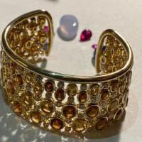 Creatività internazionale e mani fiorentine: gioielli in mostra a Firenze