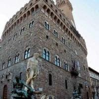 Firenze, turista fa pipì nel cortile di Palazzo Vecchio: maxi multa da