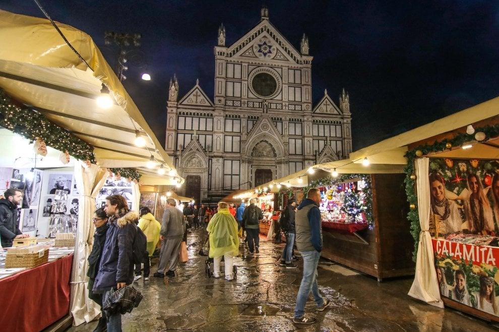 Natale a Firenze, in piazza Santa Croce torna il mercatino tedesco