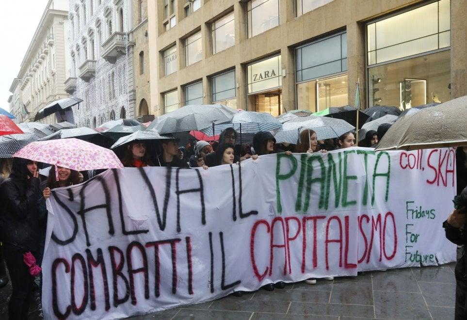 Sciopero per il clima, i giovani di Fridays For Future in piazza anche a Firenze