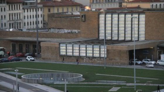 Trasportavano mezzo chilo di eroina nello stomaco, due arrestati alla stazione di Firenze