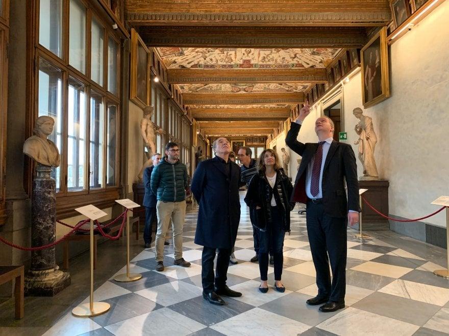 Firenze, il presidente della Fiorentina Rocco Commisso in visita agli Uffizi