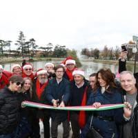 Firenze, inaugurata la pista di ghiaccio artificiale più lunga d'Europa