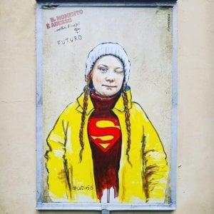 Nel centro di Firenze spunta un murales di Greta Thunberg