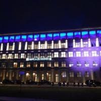Firenze, la sorpresa è un gioco di di luci e colori sul palazzo a Novoli
