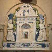 Firenze, torna a splendere il tabernacolo di Andrea della Robbia