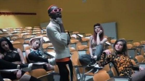 Bello Figo rimuove da Youtube il video hot girato all'università di Pisa