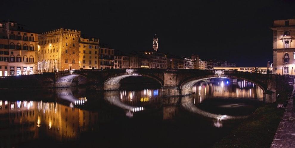 Firenze, nuova luce per ponte Santa Trinita