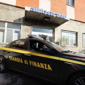 Piombino, macellaio nasconde al fisco redditi per 333 mila euro: denunciato
