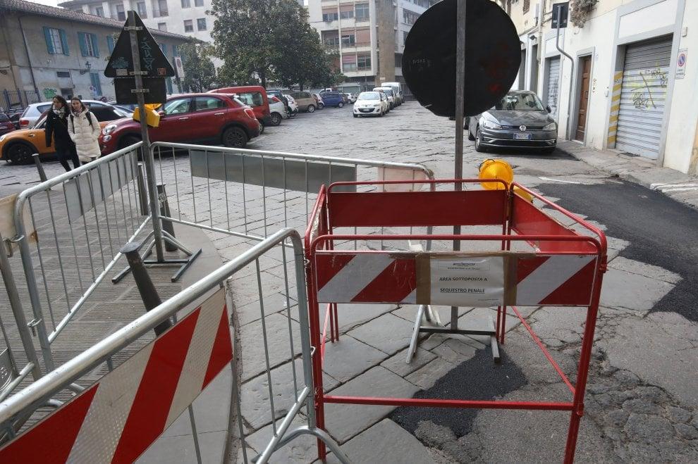 Firenze: così è stata risistemata la buca dove è inciampato con la carrozzina lo studente poi morto