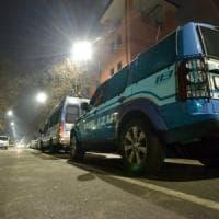 Firenze, scippata in strada cade e batte la testa