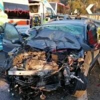 Grosseto, scontro tra un'auto e un pullman vicino a Civitella Paganico: