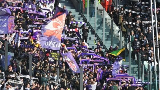 Fiorentina, mano pesante del giudice sportivo: multe e sanzioni ai dirigenti viola