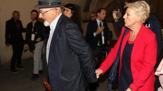Firenze, la procura chiede il rinvio a giudizio per i genitori di Renzi