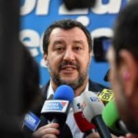 Viareggio, i carristi del Carnevale contro Salvini: