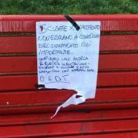 Firenze, riconsegnano la panchina rossa rubata con un biglietto di scuse: