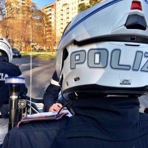 """Firenze coronavirus, sorpreso dagli agenti in strada, sull'autocertificazione ha scritto: """"Cerco droga"""""""