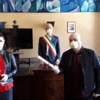 Coronavirus, nozze a Cavriglia (Arezzo): sposi con guanti e mascherina, zero invitati