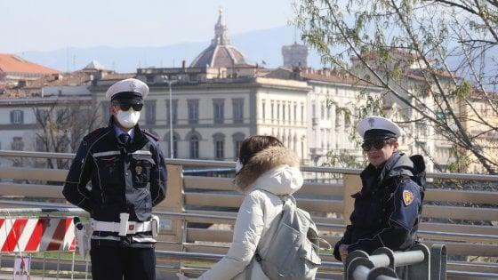 Coronavirus Toscana, primo positivo nella polizia municipale di Firenze